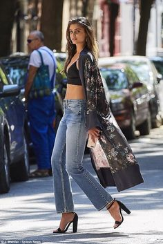 Taylor Hill flashes flesh raising sizzle factor in NYC for photoshoot The turned the sidewalk into her own personal runway when she was spotted strutting her stuff in Manhattan's swanky West Village on a steamy Thursday when the temperature hit Taylor Marie Hill, Fashion Models, Girl Fashion, Fashion Outfits, Womens Fashion, Fashion Trends, Meagan Good, Black High Heels, Black Sandals