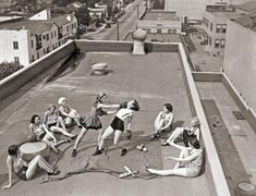 Think boxing is just for men? These women didn't -- and took part in some boxing on a Los Angeles rooftop in 1933.