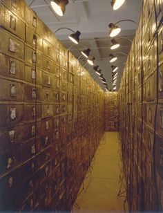 christian boltanski, reserve: the dead swiss, 1990, 1,168 boxes and photographs