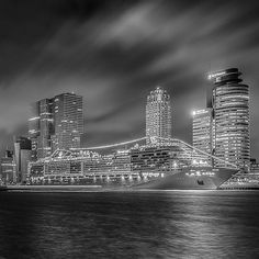 "Hier ""Licht"" ze... #Rotterdam #MSCSplendida #Gersmagazine #Instawalk010 #Rottergram010 #GemeenteRotterdam #RTVRijmond #Dutch #Holland #Nethelands #Loves_Netherlands #triggertrap #Boat #Ship #CruiseShip #Wonderful_Holland #Super_Holland #IgersHolland #IGHolland #roffurban #rotturban #LongExposure #Night #Video #Film #blackandwhite #benw #monochrome #silver"