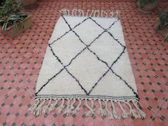Your place to buy and sell all things handmade Moroccan Berber Rug, Beni Ourain, Neutral Tones, Bohemian Rug, Hand Weaving, Carpet, Rugs, Etsy, Handmade