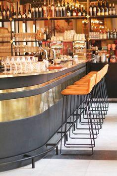 De beste wijnen van de Haarlemmerstraat | Stuyvesant Wijnlokaal, Wijnbar Amsterdam, Winebar Holland, White wine, Witte wijn glazen, Wine glasses, Weekend drinks, Good wine