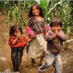 Indigenous people of Guatemala. Those faces are always smily in spite of all the suffering and hardship. Precious Children, Beautiful Children, Beautiful Babies, Beautiful People, We Are The World, People Around The World, Around The Worlds, Guatemalan Textiles, Thinking Day