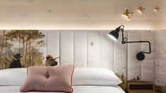 Ultraroo - Room graphic print headboard bed bedroom hotel