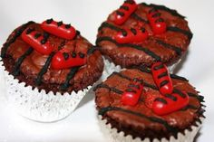 Grill Cupcakes | Foods, Drinks & Recipes  OMG!  How cute are these?