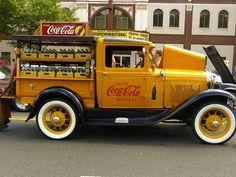Retro Coca Cola Truck by Patrick Lyons Vintage Coca Cola, Coca Cola Ad, Always Coca Cola, World Of Coca Cola, Coca Cola Bottles, Cola Truck, Automobile, Old Pickup Trucks, Vintage Trucks