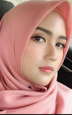 icu ~ 48213454 Pin on HOT & Sexy Girls ~ Apr 2020 - Top 100 Hottest Babes Wallpapers of 2020 Hijabi Girl, Girl Hijab, Hijab Outfit, Beautiful Muslim Women, Beautiful Hijab, Beautiful Asian Girls, Beauty Full Girl, Beauty Women, Moslem