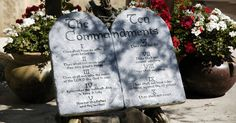 Why do Judges and Politicians Hate the 10 Commandments? ⋆ The US Constitution ⋆ Constitution.com