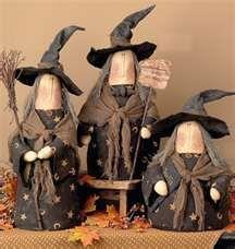Primitive Halloween Dolls halloween so fun to make! Dulceros Halloween, Halloween Projects, Holidays Halloween, Vintage Halloween, Halloween Decorations, Country Halloween, Halloween Recipe, Primitive Halloween Decor, Primitive Crafts