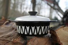 Black and white geometric design enamel pan or by SecondHandSandy, $21.00