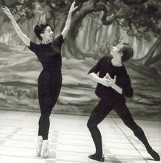 "Royal Ballet, Rudolf Nureyev and Margot Fonteyn rehearsing for ""La Sylphide,"" 1963 (Photo : Frederika Davis) Margot Fonteyn, Robert Mapplethorpe, Annie Leibovitz, Shall We Dance, Just Dance, Richard Avedon, The Royal Ballet, Rudolf Nurejew, Body Painting"