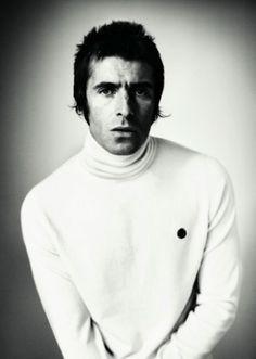 Liam Gallagher Mod Fashion, Indie Fashion, Oasis Music, Liam Gallagher Oasis, Agyness Deyn, Celebrities Then And Now, England Fashion, Pretty Green, Fred Perry