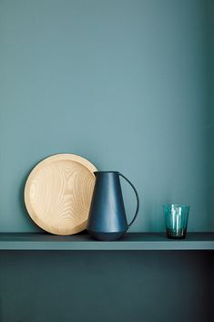 love this new green paint colour - Tea with Florence teal green. Click through for more green paint colours youll lvoe Little Greene Farbe, Little Greene Paint, Green Kitchen Walls, Kitchen Paint, Peinture Little Greene, Objet Deco Design, Green Paint Colors, Wall Colours, Luxury Wallpaper