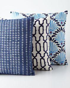 -5628 Sabira Nantucket Blue-and-White Pillows