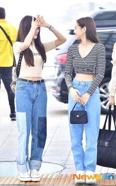 Jisoo and jennie blackpink 2019 Kpop Fashion Outfits, Blackpink Fashion, Korean Fashion, Fashion Trends, Ulzzang, Kpop Mode, Jennie Blackpink, Blackpink Jisoo, Airport Style
