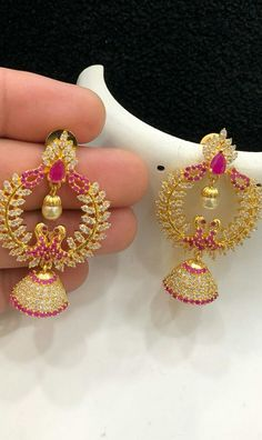 Gold Jhumka Earrings, Indian Jewelry Earrings, Gold Earrings Designs, Pendant Jewelry, Gold Temple Jewellery, Cz Jewellery, Gold Jewelry, Jewelery, Bangle Bracelets