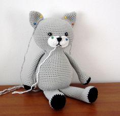 Cat free crochet pattern by AmigurumiBB