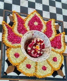 Rangoli Designs Latest, Simple Rangoli Designs Images, Rangoli Designs Flower, Colorful Rangoli Designs, Rangoli Ideas, Rangoli Designs Diwali, Diwali Rangoli, Flower Rangoli, Beautiful Rangoli Designs