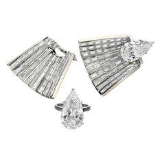 Jessica McCormack 'Diamond Cape' ring jackets with diamonds Engagement Jewelry, Designer Engagement Rings, Diamond Engagement Rings, Party Jackets, Alternative Engagement Rings, Jewelry For Her, Jewelry Trends, Cape, Diamonds
