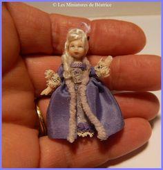 Mini porcelain doll by Les Miniatures de Béatrice.