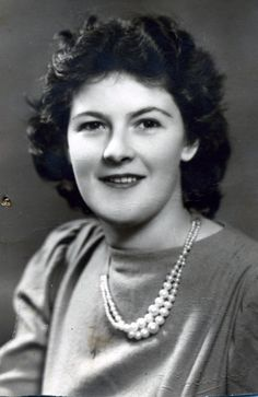 Thelma Hille, 1942 aged 18