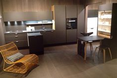 HTH Kitchen - Athena natural oak with black surface, Leather handles. Folding table Table ID.