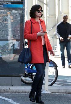 Dakota Johnson Photos - Dakota Johnson Films 'How To Be Single' - Zimbio How To Be Single, Dakota Johnson Style, Johnson And Johnson, Her Style, Daily Fashion, Celebrity Style, Street Style, Style Inspiration, Womens Fashion