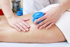 Próbowałyście już masażu bańką chińską? Jeśli nie - zapraszamy. To w pełni naturalna i bardzo przyjemna metoda walki z tkanką tłuszczową oraz niesłychanie pomocna w modelowaniu sylwetki.  Zabieg oparty jest na masażu specjalnie opracowanymi bańkami, wykorzystującymi podciśnienie. Modelujące ruchy, którym poddamy Twe ciało, w sposób precyzyjny pozwolą na doskonałe wyszczuplenie, wręcz rzeźbienie okolic, które do tej pory nie napawały Cię radością.   #wyszczuplanie #modelowanie #odchudzanie…