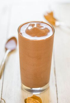 Thick+and+Fudgy+Chocolate+Peanut+Butter+Smoothie+(vegan,+GF)+-+You'll+need+a+spoon+for+this+smoothie+that+tastes+like+drinkable+fudge!