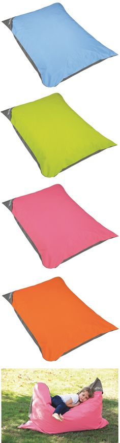 Avec sa poignée de transport, ce coussin va partout en fonction du besoin de l'enfant #wesco #onjoueavecwesco Picnic Blanket, Outdoor Blanket, Transport, Beach Mat, Concept, Kids, Classroom Welcome, School Office, Organisation