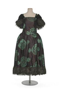 b6c78303af 1922 Robe de Style dress by Paul Poiret. Via Les Arts Décoratifs. 30s  Fashion