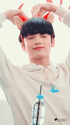 TXT Ombre Hair pink and purple ombre hair Kai, K Pop, Hip Hop, Korean American, Young Ones, Purple Ombre, Bias Wrecker, Ombre Hair, Me As A Girlfriend
