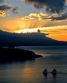 Sunset at Amed, Bali | Travel Guide to Bali | http://allindonesiatravel.com/