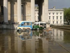 After the rain, comes the sun. Ice cream and coffee at the yard of the British Museum.