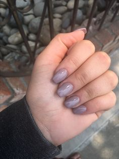 Short taupe coffin nails