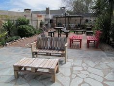This wood pallet garden table and a bench look rustic and unique in the display. This pallet garden furniture is another thought-provoking creation to craft for the decoration of your garden. It is equally best to use as a terrace furniture to enjoy beautiful weather by sitting on it.