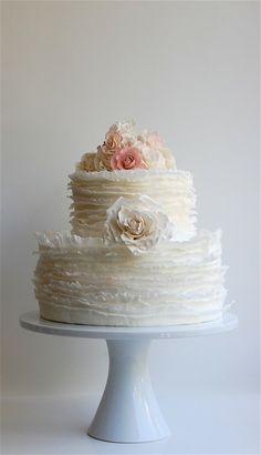 Cute vintage looking cake, its simple yet elegant