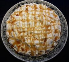 Køkan uttan navn (Færøsk karamelkage/æblekage) – Urban Mad Macaroni And Cheese, Pie, Urban, Ethnic Recipes, Desserts, Food, Torte, Tailgate Desserts, Mac And Cheese
