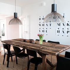 Victo 4250 pendants by Secto Design above the dining table in the Lackman House Apartment in Helsinki, Finland, styled by Divaani. Photo by: Charlotta Boucht. Sweet Home, House Interior, Wooden Pendant Lighting, Kitchen Interior, Dining Room Nook, Home Furniture, Home Deco, Home N Decor, Home Decor