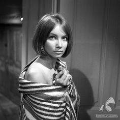 Pola Raksa - Fototeka Filmoteki Narodowej People Icon, Back In The Day, Backless, Actresses, Poland, Stars, Makeup, Hair, Photography