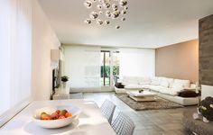 Panel japonés en tono blanco en la sala de estar