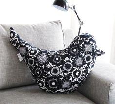 Bird Pillow, http://www.valkoinenveranta.fi/
