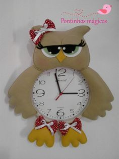 relógio coruja Owl Crafts, Diy And Crafts, Arts And Crafts, Christmas Clock, Christmas Ornaments, Owl Sewing, Owl Pillow, Felt Flowers, Origami
