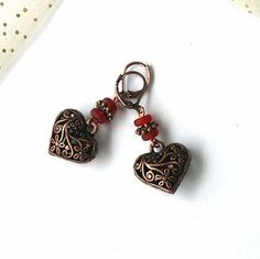 A vintage look for V-day.  Earrings.