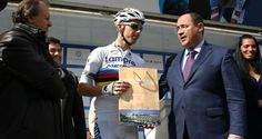 Faro homenageou hoje o Campeão do Mundo Rui Costa | Algarlife