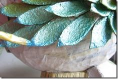 tutorial gallo Cristallo-20 Paper Mache Sculpture, Sculptures, Under The Sea Theme, Galo, Kirigami, Bird Art, Decoration, Paper Flowers, Paper Art