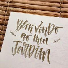 Bem-vindo ao meu jardim, ao meu mundo e à todas as flores e cores trazidas por ele. 🌺🐛☀️ / Welcome to my garden, to my world and to all the flowers and colors that are in it. #caligrafia #caligraphy #letras #letters #letrismo #letrista #lettering #type #tipografia #typography #handmade #handwriting #handwritten #handlettering #jardim