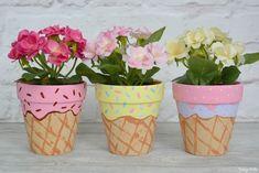 Painted Plant Pots, Painted Flower Pots, Painted Pebbles, Flower Pot Crafts, Clay Pot Crafts, Ice Cream Theme, Ice Cream Games, Ice Cream Art, Flower Pot Design