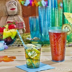 Island paradise is just a few sips away Whip up some Mahalo Pineapple Mojitos by muddling a couple mint leaves and a lime wedge in a glass. Pour in ice, 1oz pineapple juice, 1 1/2oz white rum, 4oz club soda and 1 tsp sugar with a swizzle stick for stirring. For another refreshing sipper, try Lu-Wow Punch! Start with your fave tropical punch mix and add a beachy liquor like Caribbean rum with a coconut flavor. Serve in a tiki-rific tumbler with a kiwi garnish and umbrella pick.