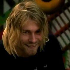 Kurt Cobain Photos, Nirvana Kurt Cobain, Kurt Conain, Music Maniac, Big Crush, Punk, Old Love, How To Be Likeable, Aesthetic Videos